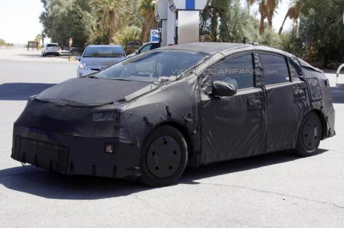 Economic 2015 Toyota Prius c Shown to Public!