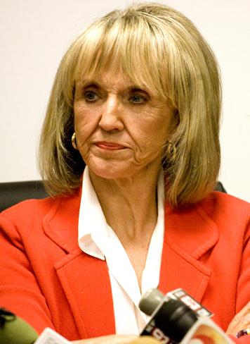 Jan Brewer Claims Obama's Presidency Failed, Resigns from Position!