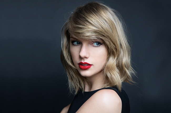 taylor swift says love is not her priority right now