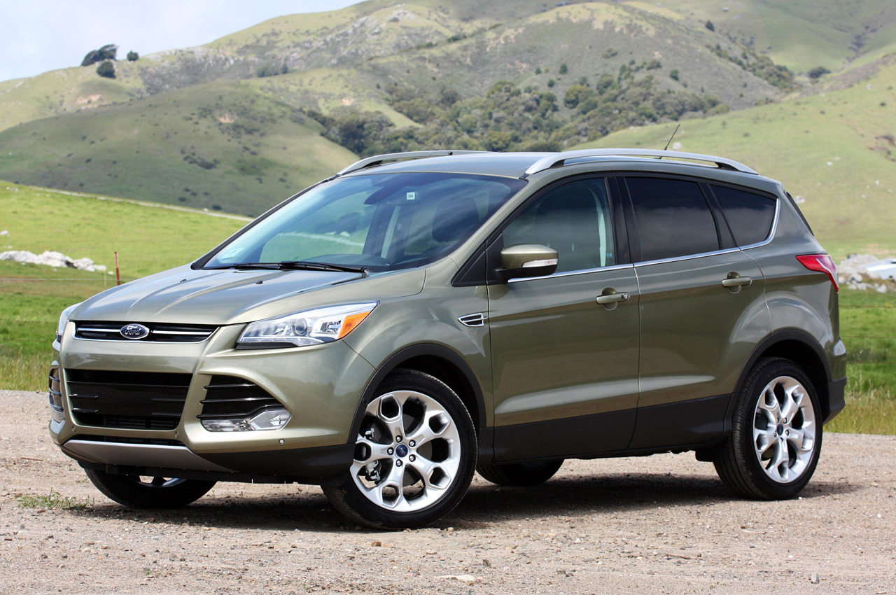 athletic look and superb performance makes the 2015 ford escape a winning compact crossover and. Black Bedroom Furniture Sets. Home Design Ideas