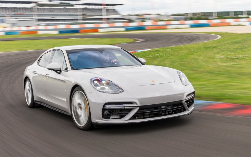 2017 Porsche Panamera a Home Run by Any Luxury Sedan Standards, Point Out Critics