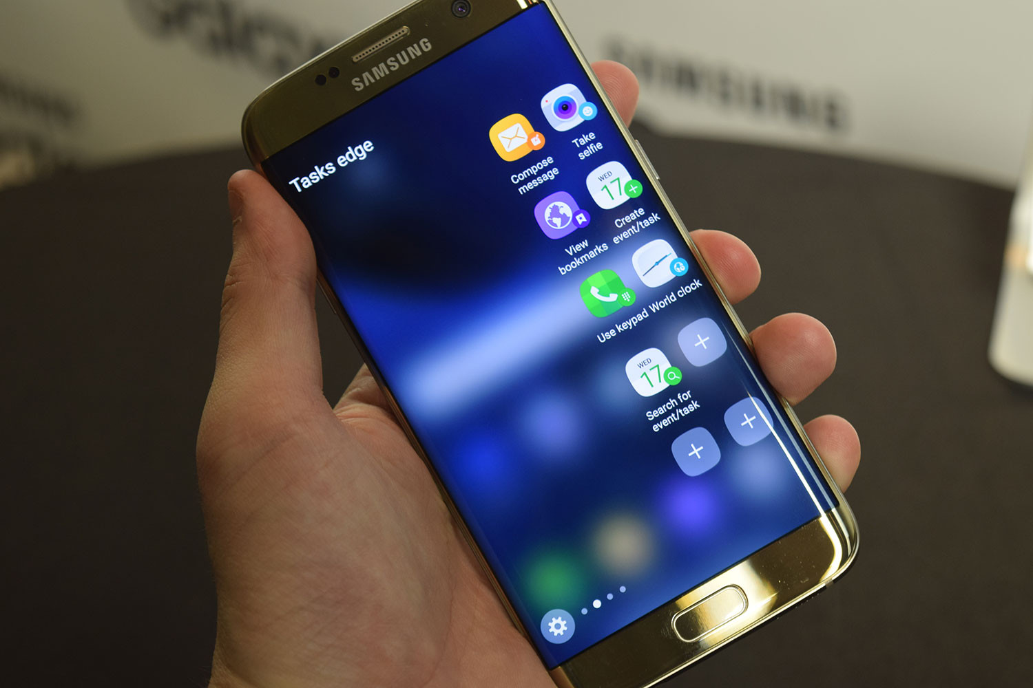 samsung galaxy s7 edge gets access to samsung cloud. Black Bedroom Furniture Sets. Home Design Ideas