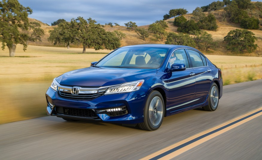 2017 Honda Accord Hybrid a Major Step for the Japanese Carmaker's Move to Electrified Vehicles!