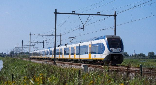 Dutch Electric Trains Purely Run on 1.2 Billion Kilowatt-Hours of Wind Energy Per Year Beginning This Year!