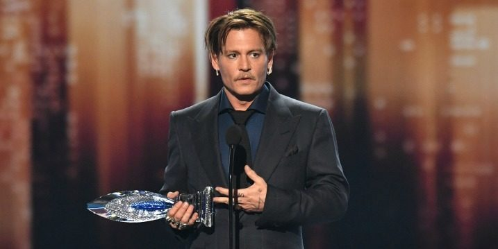 Johnny Depp's $2 Million a Month Lavish Lifestyle Got Him Into Financial Troubles, Claims Former Business Managers!