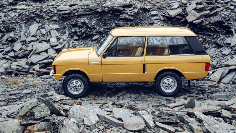 Restored 1978 Range Rover Costs Twice as Much as a New One But is the Most Collectible and Rarest SUV in the World!