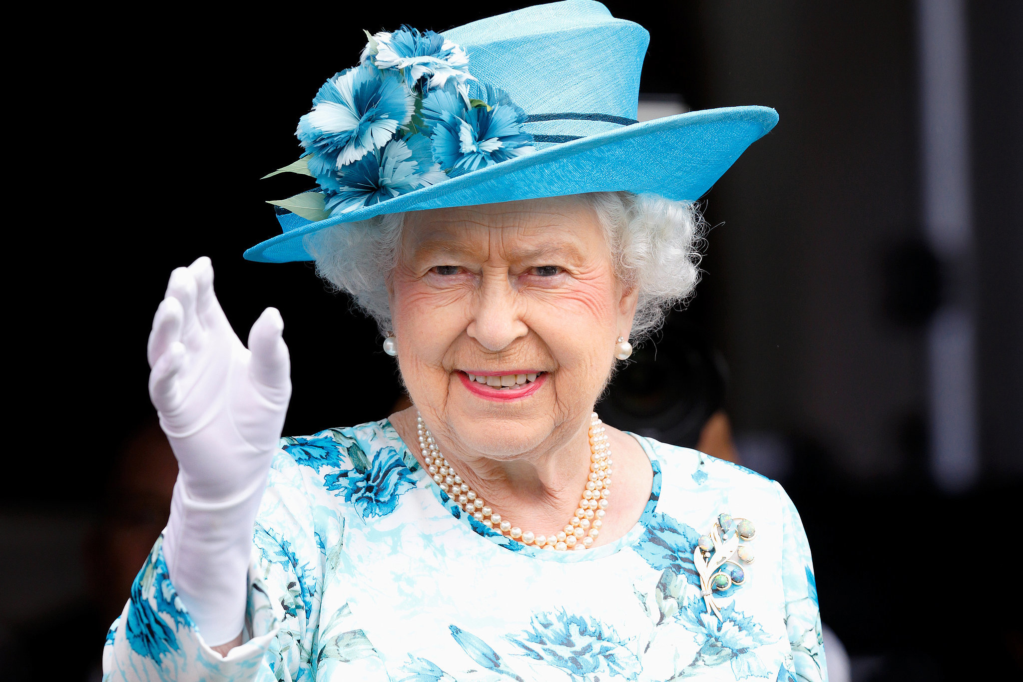 Queen Elizabeth Redeems Herself in the Eyes of UK People with Her Royal Assent of New Pro-LGBT Motion by the UK Parliament!