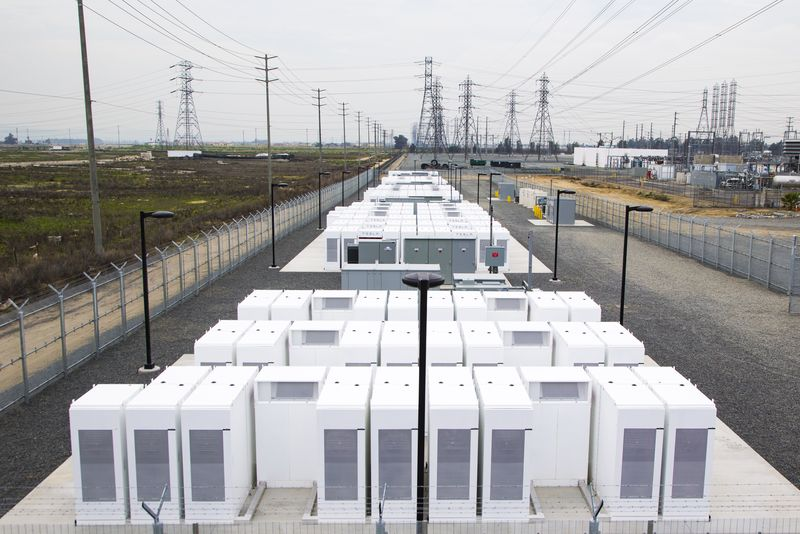 Tesla-Installed Power Storage Facility Now Powering 15,000 Homes in Southern California!