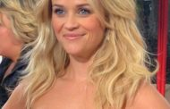 Reese Witherspoon Grosses out her Children with 'weird' SnapChats