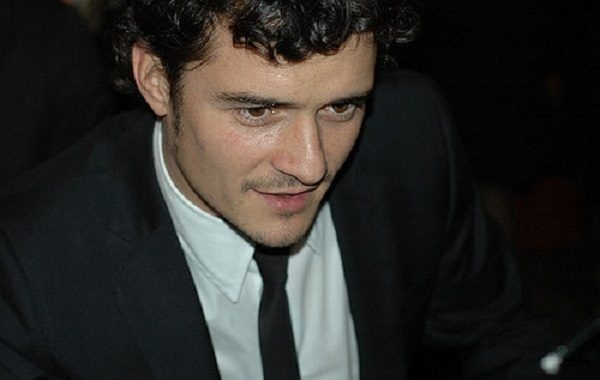 Orlando Bloom explains naked paddle boarding pictures