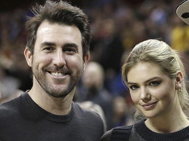 Is verlander still dating upton
